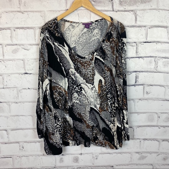 Beverly Drive black and white print top